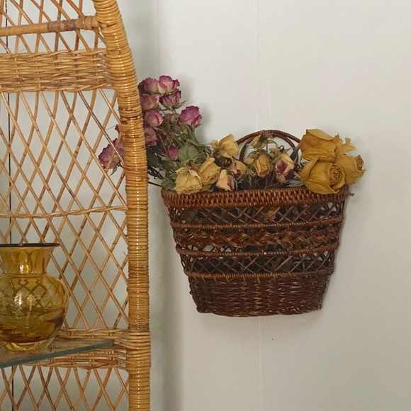 VINTAGE WICKER WALL BASKET